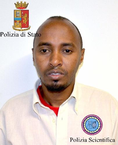http://www.ragusanews.com//immagini_articoli/24-06-2014/immigrazione-clandestina-due-arresti-a-comiso-500.jpg
