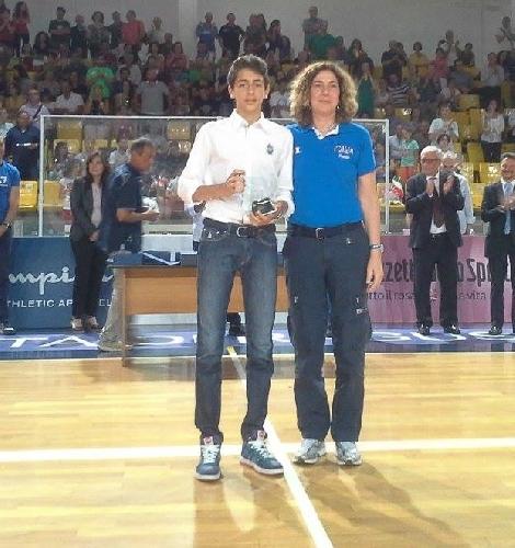 https://www.ragusanews.com//immagini_articoli/24-06-2014/premio-donia-alla-pegaso-ragusa-500.jpg