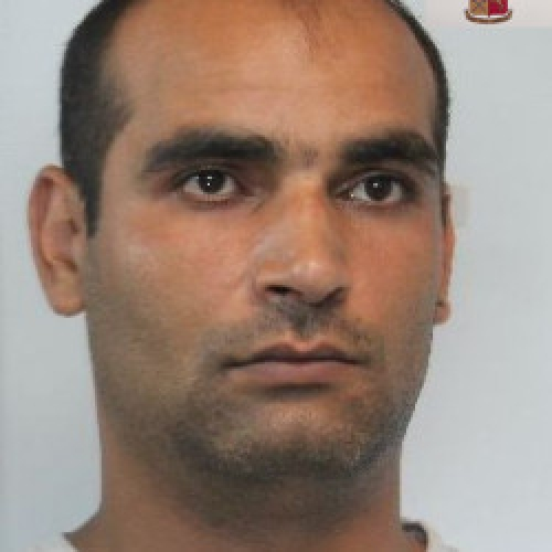 http://www.ragusanews.com//immagini_articoli/24-06-2014/rapinatore-in-romania-arrestato-a-ragusa-500.jpg
