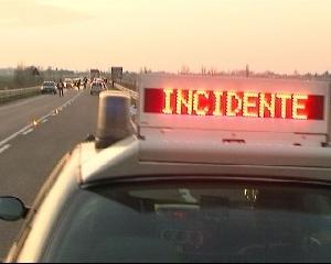 http://www.ragusanews.com//immagini_articoli/24-06-2017/incidente-donnalucata-ferito-motociclista-240.jpg