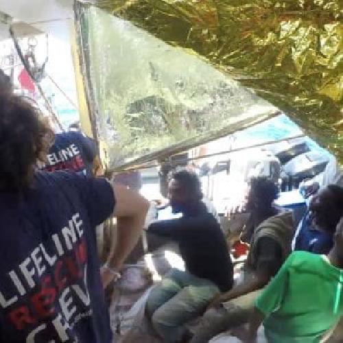 https://www.ragusanews.com//immagini_articoli/24-06-2018/nave-bloccata-mare-pozzallo-salvini-abbiamo-uomini-carne-500.png