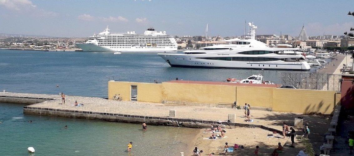 https://www.ragusanews.com//immagini_articoli/24-06-2018/trionfo-yacht-ortigia-500.jpg