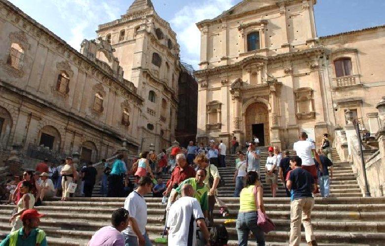 https://www.ragusanews.com//immagini_articoli/24-06-2019/bankitalia-in-sicilia-in-difficolta-anche-il-turismo-500.jpg