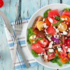 https://www.ragusanews.com//immagini_articoli/24-06-2021/caldo-estivo-ecco-la-dieta-e-i-consigli-per-affrontarlo-al-meglio-280.jpg
