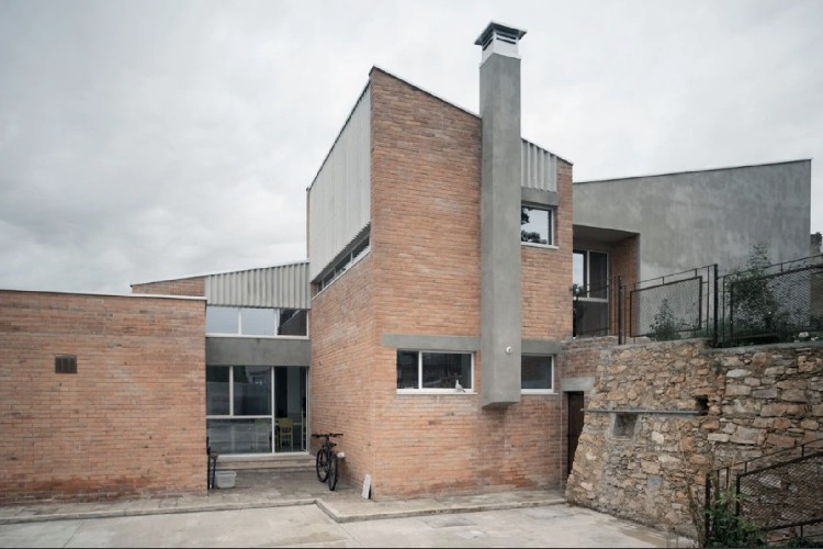 https://www.ragusanews.com//immagini_articoli/24-06-2021/in-sicilia-l-asilo-diventa-casa-premio-per-giuseppina-grasso-cannizzo-500.jpg