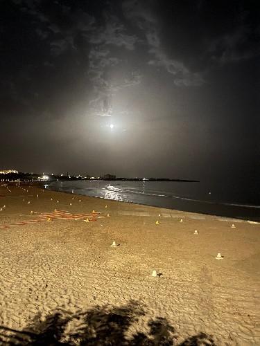 https://www.ragusanews.com//immagini_articoli/24-06-2021/la-superluna-fragola-a-marina-di-modica-500.jpg