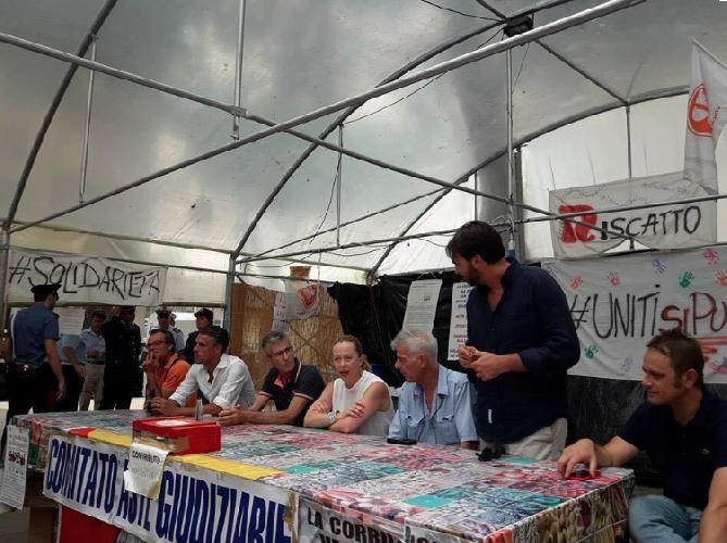 https://www.ragusanews.com//immagini_articoli/24-07-2017/giorgia-meloni-soffia-crisi-agricola-vittoria-500.png
