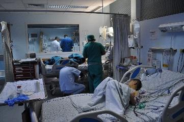 http://www.ragusanews.com//immagini_articoli/24-07-2017/reparto-rianimazione-pediatrica-bimba-investita-240.jpg