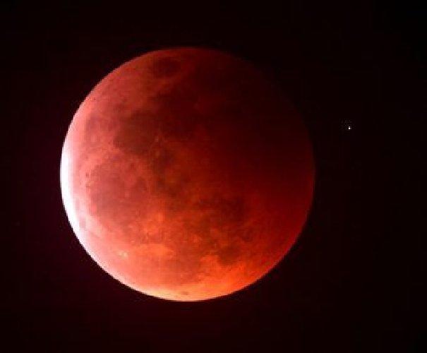 L'eclisse di Luna più lunga del secolo