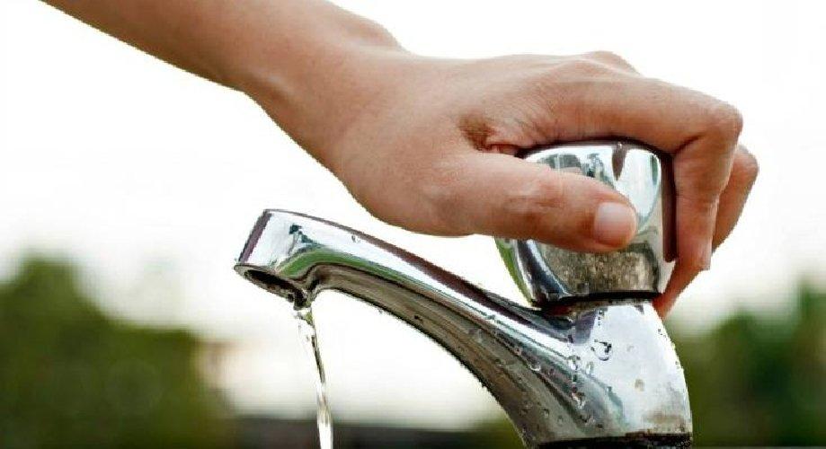 https://www.ragusanews.com//immagini_articoli/24-07-2019/a-marina-di-ragusa-siamo-senza-acqua-500.jpg