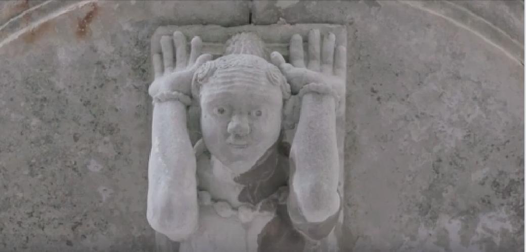 https://www.ragusanews.com//immagini_articoli/24-07-2019/in-piazza-a-ragusa-il-documentario-di-sky-video-500.png