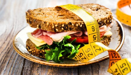 https://www.ragusanews.com//immagini_articoli/24-07-2020/dieta-lemme-menu-settimanale-240.jpg