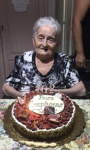 https://www.ragusanews.com//immagini_articoli/24-07-2020/nonna-giuseppina-ha-compiuto-102-anni-500.jpg