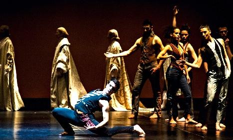 https://www.ragusanews.com//immagini_articoli/24-07-2021/danzart-festival-a-villa-tedeschi-a-pozzallo-280.jpg