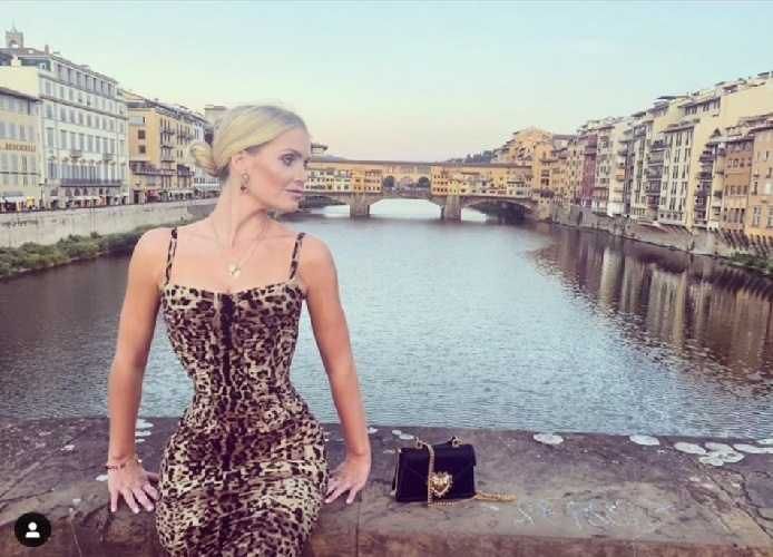 https://www.ragusanews.com//immagini_articoli/24-07-2021/lady-kitty-spencer-la-nipote-di-lady-diana-sta-per-sposarsi-in-italia-500.jpg
