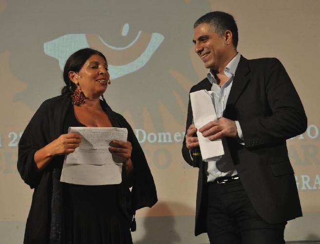 http://www.ragusanews.com//immagini_articoli/24-08-2014/l-ironia-di-lucia-sardo-al-videolab-film-festival-500.jpg