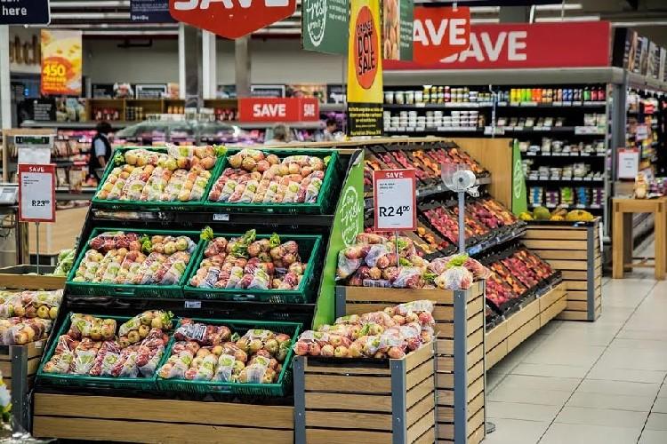 https://www.ragusanews.com//immagini_articoli/24-08-2020/carrello-della-spesa-gli-alimenti-che-non-possono-mancare-500.jpg
