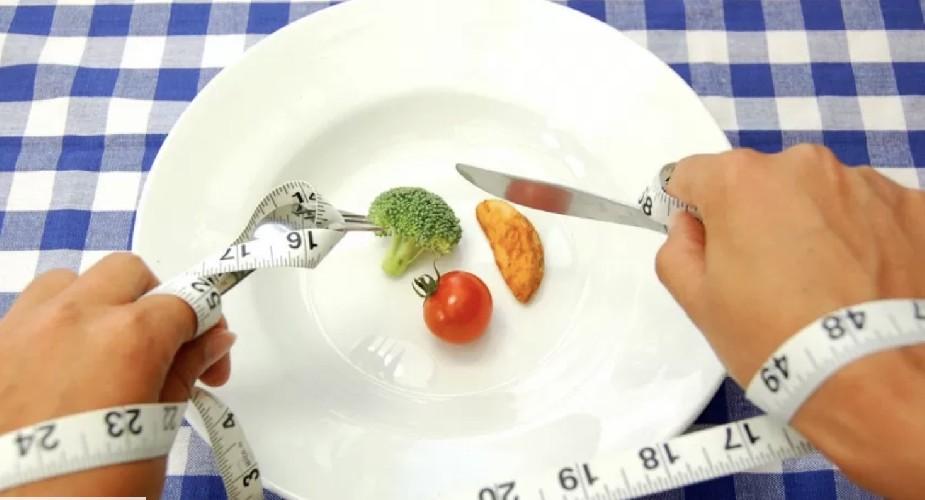https://www.ragusanews.com//immagini_articoli/24-08-2020/la-dieta-del-digiuno-500.jpg