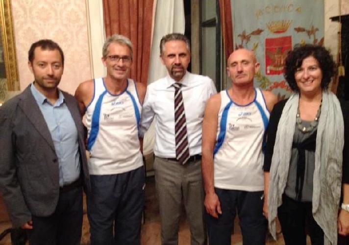 https://www.ragusanews.com//immagini_articoli/24-09-2013/due-atleti-alla-maratona-di-berlino-500.jpg