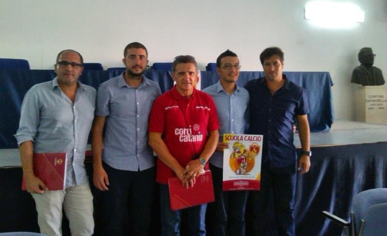 https://www.ragusanews.com//immagini_articoli/24-09-2014/1411587384-1-a-scicli-si-risveglia-il-leone-del-calcio-a-5.jpg
