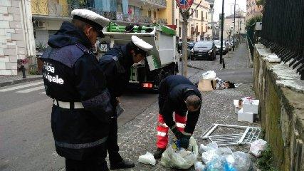 https://www.ragusanews.com//immagini_articoli/24-09-2018/ragusani-differenziata-violazioni-luglio-agosto-240.jpg
