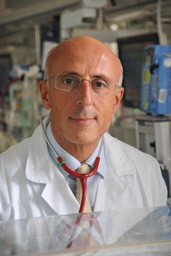 https://www.ragusanews.com//immagini_articoli/24-09-2019/neonatologia-il-prof-fabio-mosca-neonato-politiche-sanitarie-500.jpg