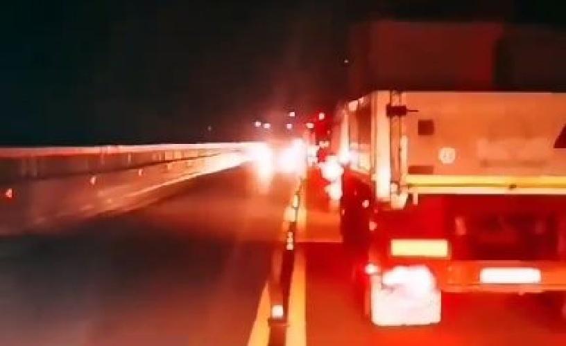 """Italien: Ab dem 27. September Streik der Lastwagenfahrer gegen den """"Covid-Pass"""" Videos"""