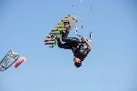 http://www.ragusanews.com//immagini_articoli/24-10-2014/kite-e-windsurf-protagonisti-sulla-spiaggia-di-marina-di-ragusa-100.jpg