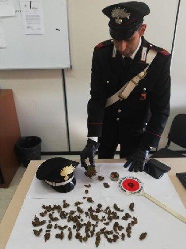 https://www.ragusanews.com//immagini_articoli/24-10-2018/droga-pozzallo-arrestato-19enne-500.jpg