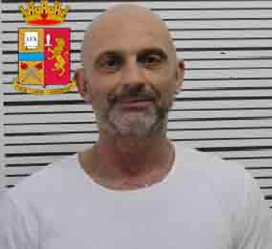 https://www.ragusanews.com//immagini_articoli/24-10-2019/1571943058-le-mani-mafia-riuso-plastica-i-volti-arrestati-2-500.jpg