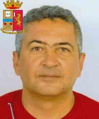 https://www.ragusanews.com//immagini_articoli/24-10-2019/1571943100-le-mani-mafia-riuso-plastica-i-volti-arrestati-1-240.jpg