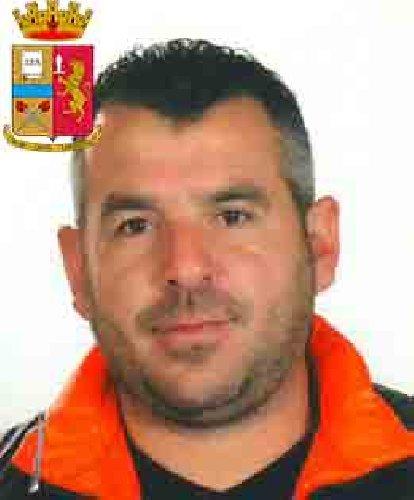 https://www.ragusanews.com//immagini_articoli/24-10-2019/1571943101-le-mani-mafia-riuso-plastica-i-volti-arrestati-2-500.jpg