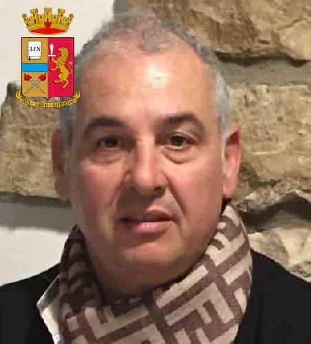 https://www.ragusanews.com//immagini_articoli/24-10-2019/1571943101-le-mani-mafia-riuso-plastica-i-volti-arrestati-3-500.jpg