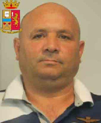 https://www.ragusanews.com//immagini_articoli/24-10-2019/1571943158-le-mani-mafia-riuso-plastica-i-volti-arrestati-2-500.jpg