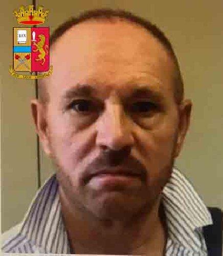 https://www.ragusanews.com//immagini_articoli/24-10-2019/le-mani-mafia-riuso-plastica-i-volti-arrestati-500.jpg