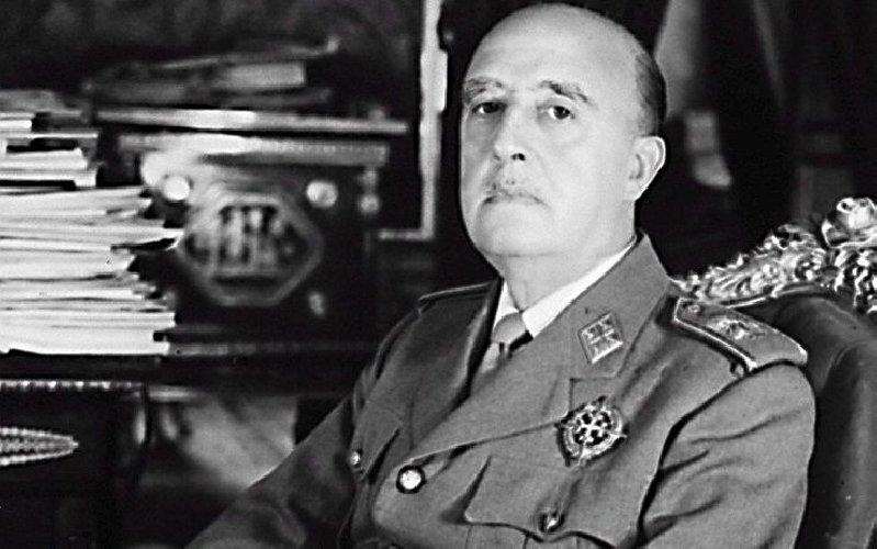 La Spagna trasla la salma di Franco, si chiude un'epoca
