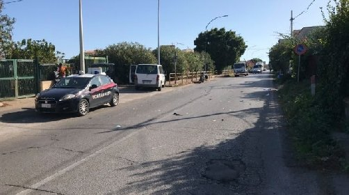 https://www.ragusanews.com//immagini_articoli/24-10-2020/furgone-contro-scooter-muore-15enne-280.jpg