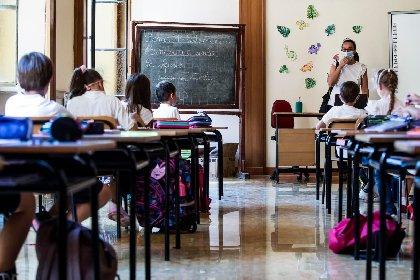 https://www.ragusanews.com//immagini_articoli/24-10-2020/modica-familiare-di-alunno-positivo-al-covid-scuola-paritaria-chiusa-280.jpg