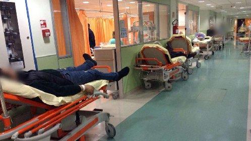 https://www.ragusanews.com//immagini_articoli/24-10-2020/pronto-soccorsi-attese-di-5-giorni-per-malati-covid-280.jpg