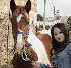 https://www.ragusanews.com//immagini_articoli/24-10-2020/sicilia-ragazza-cade-da-cavallo-a-21-anni-e-morta-280.jpg