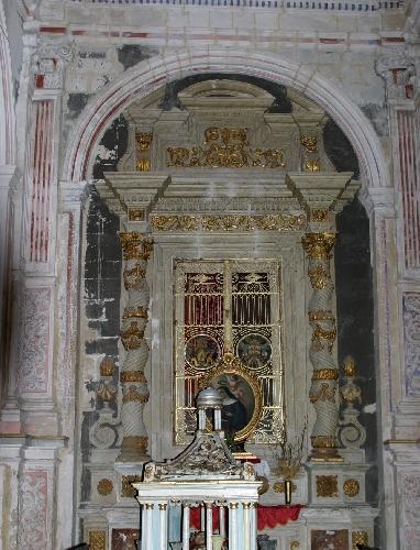 http://www.ragusanews.com//immagini_articoli/24-11-2014/la-famiglia-mazzara-e-la-chiesa-di-san-pietro-500.jpg
