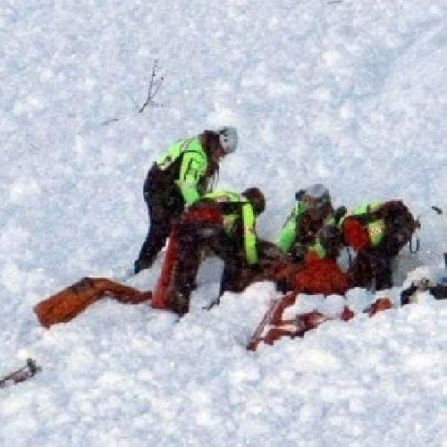 https://www.ragusanews.com//immagini_articoli/24-11-2018/valanga-sestriere-sono-feriti-500.jpg