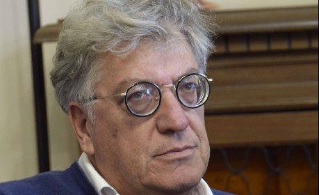 https://www.ragusanews.com//immagini_articoli/24-11-2020/covid-morte-giornalista-mole-accertamenti-dopo-denuncia-280.jpg