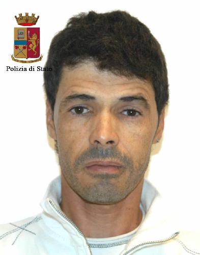 http://www.ragusanews.com//immagini_articoli/24-12-2015/arrestato-latitante-500.jpg