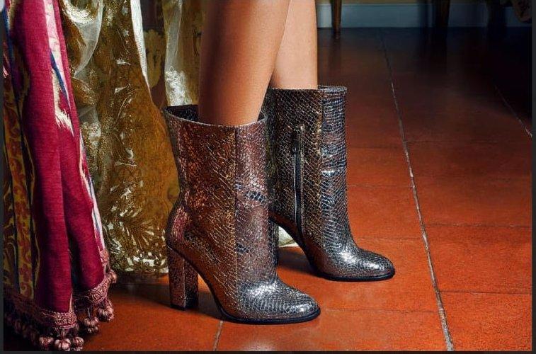 https://www.ragusanews.com//immagini_articoli/24-12-2019/1577199675-a-modica-la-scarpa-di-qualita-si-chiama-lamone-1-500.jpg