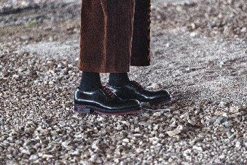 https://www.ragusanews.com//immagini_articoli/24-12-2019/1577467703-a-modica-la-scarpa-di-qualita-si-chiama-lamone-1-240.jpg