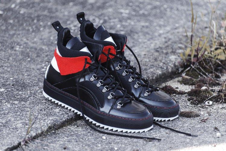 https://www.ragusanews.com//immagini_articoli/24-12-2019/1577467843-a-modica-la-scarpa-di-qualita-si-chiama-lamone-1-500.jpg
