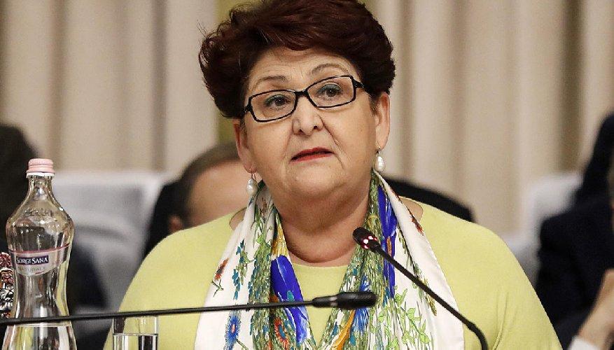 https://www.ragusanews.com//immagini_articoli/24-12-2019/il-ministro-bellanova-a-modica-500.jpg