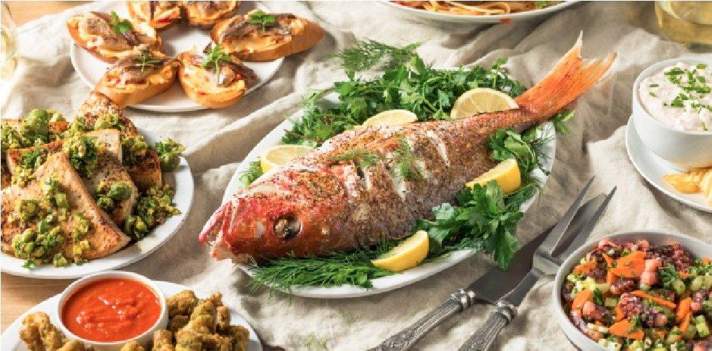 https://www.ragusanews.com//immagini_articoli/24-12-2019/la-festa-dei-sette-pesci-500.jpg