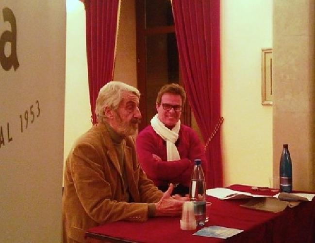 http://www.ragusanews.com//immagini_articoli/25-01-2015/enzo-russo-io-nato-in-sicilia-500.jpg